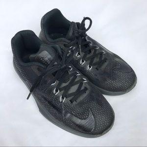 NIKE Boys Air Max Infuriate Basketball Shoes